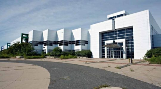 Battery maker leases former GM space in Pontiac, bringing more than 300 jobs